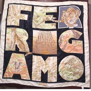SALVATORE FERRAGAMO SCARF SIGNATURE ANIMAL SILK 35